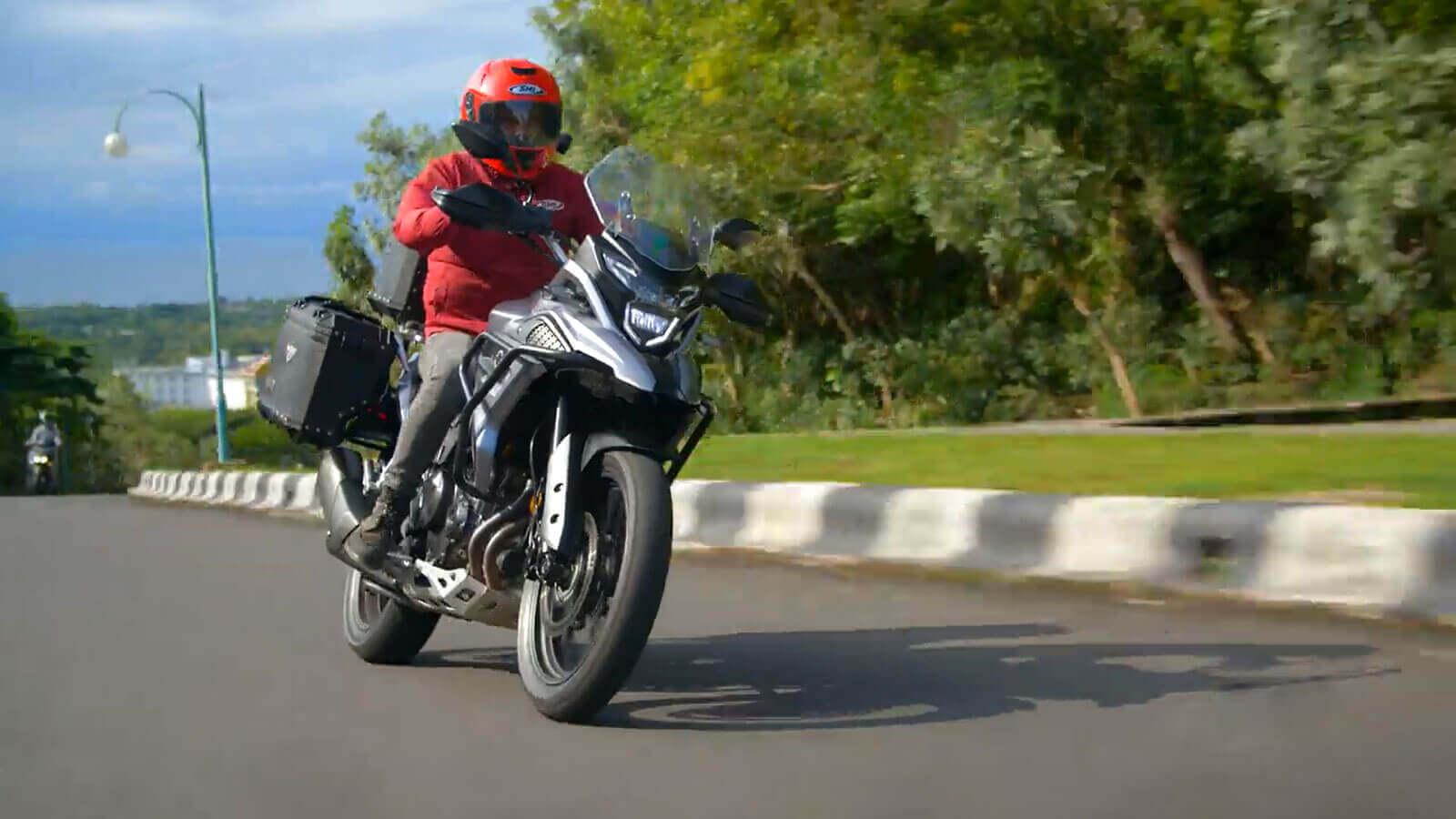 Maverick MV500 on-road